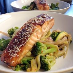 Sweet sesame baked sticky salmon filet with spicy courgette, red onion and broccoli tonight  #clean#healthy#health#food#gymfood#gym#musclefood#muscle#cleaneats#cleaneating#eatclean#eatingclean#fitgirl#fit#lifestyle#happy#bodybuilding#fitfood#youngnhealthy#healthyfoodshare#famfitfood#instagramfitness#fitness#fitspiration#healthyfood#salmon - @lornarle- #webstagram