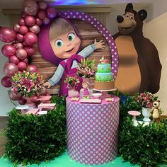 Esplêndida festa no tema Masha e o Urso! Birthday Cake Kids Boys, 2nd Birthday Party Themes, Bear Birthday, Birthday Party Decorations, Girl Birthday, Cake Birthday, Masha Et Mishka, Marsha And The Bear, Bear Party