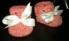 SCARPINE-lana-all-039-uncinetto-per-neonata-rosa-fumato-idea-regalo