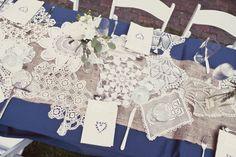 verschieden weisse deckala   25 dekoration tisch blau jute spitze lang tisch deko hochzeit blume Eine blaue Hochzeit – die Farbe der Himmel und des Meers