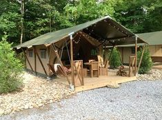 Searching for Camping or Glamping in Gatlinburg TN? Check out our Outdoor Resort in Gatlinburg TN near Anakeesta, Dollywood, Splash Country, Wonderworks, and more! Camping Glamping, Luxury Camping, Camping Hacks, Camping Outdoors, Casas Trailer, Tent Platform, Tent Living, Wall Tent, Tiny House Blog