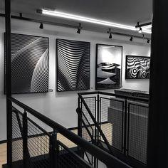 Finalmente temos uma @UrbanArts_Curitiba  São mais de 3 mil obras disponíveis aqui na galeria e mais de 40 mil obras autorias disponíveis pelo catálogo virtual do site. Incrível né? Agora não tem desculpa chega de paredes brancas e sem graça!  www.lincooln.com.br