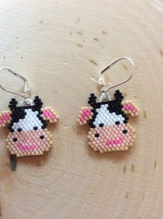 "Items similar to Bead Earrings ""Shopping Carts"" Seed bead earrings, Delica beaded Earrings on Etsy – Handwerk Beaded Earrings Patterns, Seed Bead Patterns, Beading Patterns, Bracelet Patterns, Stitch Patterns, Seed Bead Jewelry, Seed Bead Earrings, Art Minecraft, Minecraft Buildings"