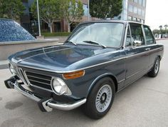 This 1972 BMW 2002tii (chassis 2761315) looks very nice inside and out following a recent restoration, though a few details like incorrect E21 steering wheel and inop horn still need attention. Currently fitted with a header and Bilstein/Eibach suspension, a recent compression test is said to have r