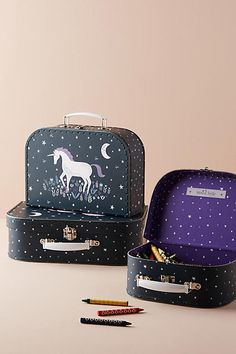 Sass & Belle Unicorn Suitcase Storage Set. Afflink