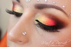 Bollywood makeup by polish makeup artist Marta Parciak Beauty Stuff, All Things Beauty, Beauty Tips, Beauty Hacks, Flawless Makeup, Beauty Makeup, Hair Makeup, Hair Beauty, Bollywood Makeup