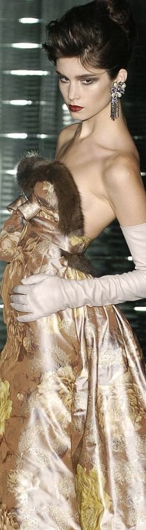 $$ A Luxury Date To Remember ~ *HAUTE FLASH Valentino Fall 2004***