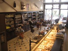 Fromagerie Hess, 7, place Carnot, Beaune, Burgundy via http://www.chateau-ziltener.com