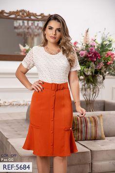 Skirt Outfits Modest, Dress Skirt, Modest Fashion, Women's Fashion Dresses, African Fashion Skirts, Calf Length Skirts, Nursing Dress, Classy Dress, Casual Tops For Women