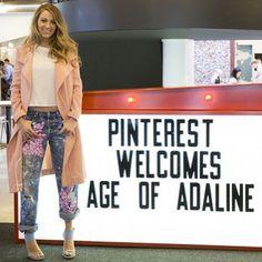 Blake Lively Flashes Tummy, Praises Boyfriend Jeans - Celebrity Fashion Trends