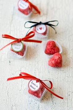 Unique wedding favors - heart shaped sugar cubes - sweet heart shaped bomboniere favours for weddings, bridal shower favor, or a sweet flavored sugar tea party favor. By Dell Cove Spices on Etsy. (Photo by Selena Vallejo Photography)