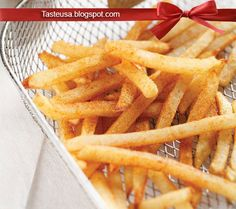 How to make Cajun Style French Fries Recipe - Once you've mastered the art of the simple fry, you can take it up a notch simply by substitu. French Fries Recipe, Onion Rings, Gluten Free Recipes, Carrots, Vegetables, Ethnic Recipes, Food, Style, Stylus