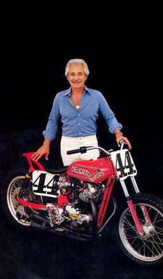 Flat Track Motorcycle, Flat Track Racing, Norton Motorcycle, Motorcycle Racers, Girl Motorcycle, Motorcycle Quotes, Ron Woods, Track Cycling, Custom Bmw