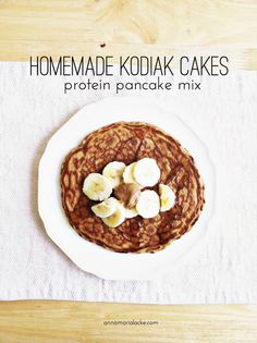 Homemade Kodiak Cakes Protein Pancake Mix — Anna Maria Locke - Are you a pancake person or a waffle person? Waffles are definitely more fun, but I'm a pancake - Kodiak Protein Pancakes, Kodiak Pancakes, Healthy Protein Pancakes, Single Serving Pancake, Kodiak Power Cakes, Cake Mix Pancakes, Protein Mix, High Protein, Protein Bars