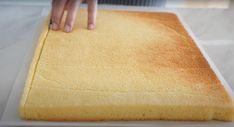 İsviçre Rulo Kek Tarifi, Rulo Kek Nasıl Yapılır? Raw Food Recipes, Cake Recipes, Cooking Recipes, Pasta Cake, Pizza Snacks, Butcher Block Cutting Board, Food Cakes, Diy And Crafts, Cheesecake