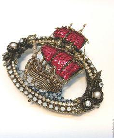 Купить Брошь,,Мечты Ассоль,, - ярко-красный, кораблик, корабли, парусник, брошь, украшение, пайетки