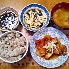 気付いたらすっぱねばねば系が集まってしまった… - 14件のもぐもぐ - 2月11日 鶏の照り煮 長芋と海苔のサラダ もずく お味噌汁 by sakuraimoko