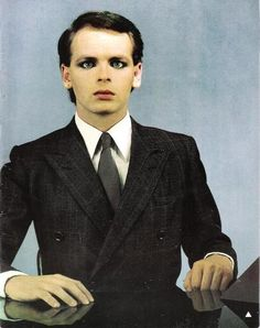 See Gary Numan pictures, photo shoots, and listen online to the latest music. 80s Music, Reggae Music, Rock Music, New Wave Music, The New Wave, Gary Numan, Nostalgia, Pop Rock, New Romantics