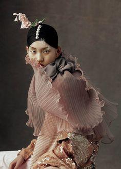"""visualjunkee: """"THE PEKING OPERA - model: Wangy Xin Yu - photography: Kiki Xue - styling: Xiao Mu Fan - hair: Zhang Xiao - makeup: Fei Wang & Sunqi """""""
