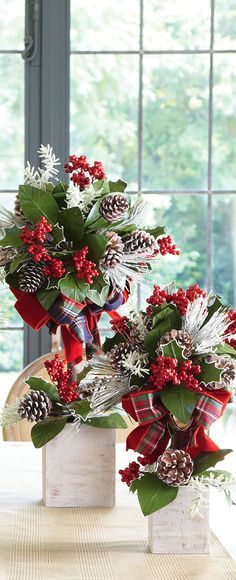 Rustic Christmas Decorating Ideas: Whether it's a cabin in the woods or a home in the city, add a rustic touch to your decor & create a holiday retreat. Christmas Topiary, Tartan Christmas, Christmas Flowers, Noel Christmas, Country Christmas, All Things Christmas, Christmas Wreaths, Christmas Crafts, Christmas Ideas
