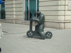 Por las calles de Budapest Budapest, Baby Strollers, Children, Statues, Souvenirs, Get Well Soon, Photos, Cooking, Baby Prams