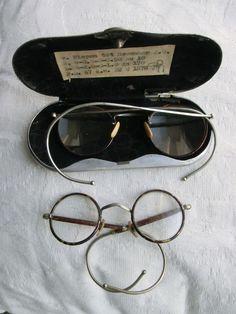 Online veilinghuis Catawiki: 2 antieke ronde brillen - volwassen en kinderbril