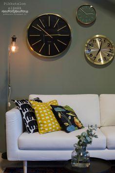Unelmien olohuone / Blogitalo Sofa, Couch, Walls, Furniture, Desserts, Home Decor, Tailgate Desserts, Settee, Settee