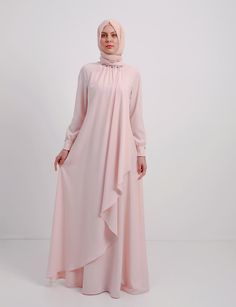 The Stylish and Elegent Abaya In Baby Pink Colour Looks Stunnings and Gorgeous With Trendy and Fashionable French Crepe Fabric. This is a completley customisable product after placing the order our de. Abaya Fashion, Modest Fashion, Fashion Dresses, Mode Abaya, Mode Hijab, Muslim Dress, Hijab Dress, Modest Outfits, Casual Dresses