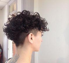 29 Ideas Haircut Men Corto Curly Hair cuts and styles 29 Ideen Haarschnitt Männer Corto Curly Haircuts For Curly Hair, Curly Hair Cuts, Medium Hair Cuts, Short Hair Cuts, Curly Hair Styles, Short Curly Pixie, Pixie Haircuts, Pixie Cut, Undercut Curly Hair