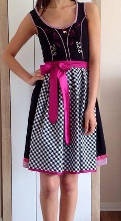 d7ba47a51546e4 Mein Schönes Dirndl in Schwarz und Pink von Stockerpoint! Größe 32 / XS für  90