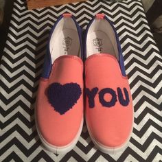 you shoes brand new Fun fun fun shoes color is more like coral Shoes