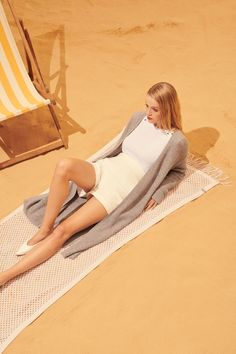 FTC Cashmere and with soft and light Bright colors and lovely designs for pleasure. Summer Glow, Summer Collection, Bright Colors, Beach Mat, Cashmere, Outdoor Blanket, Unique, Collections, Content