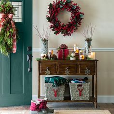 Christmas decoration ideas images 19 amazing christmas entryway ideas 19 amazing christmas entryway ideas christmas porch decor and foyer c holiday decorating ideas for Amazing Christmas Entryway Ideas Farmhouse. Decor, Brown Living Room Decor, Wall Decor, Christmas Entryway, Rustic Decor, Living Room Decor, Entry Decor, Entryway Decor, Home Decor