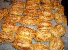 Pin on medikal Party Food And Drinks, Snacks Für Party, Kosher Recipes, Cooking Recipes, Brie, Tapas, Breakfast Recipes, Snack Recipes, Easy Recipes For Beginners