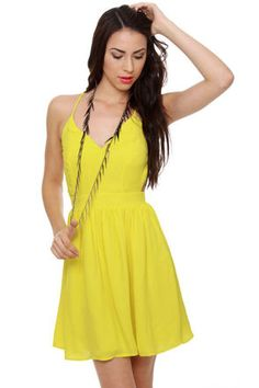 amazing yellow sun dress open back  28$
