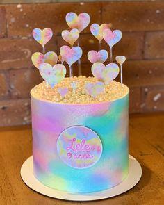 Bolo Tye Dye, Tye Dye Cake, Cute Birthday Cakes, 10th Birthday Parties, Tie Day, Tie Dye Party, Lavender Cake, Diy Cake, Mayonnaise