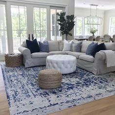 gorgeous living room color schemes to make your room cozy 4 Blue And White Living Room, Blue Living Room Decor, Coastal Living Rooms, Living Room Color Schemes, Rugs In Living Room, Home And Living, Living Room Designs, Modern Living, Navy Home Decor