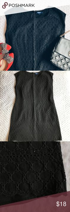 Old Navy - Black Eyelet Cotton Dress Beautiful black eyelet cotton dress from Old Navy in EUC. Has a super cute scallop hem and is fully lined. Fits a small/medium. Perfect all year around! No tears, snags, or stains. Offers welcomed! Old Navy Dresses