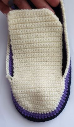 - Knitting for Beginners Easy Crochet Slippers, Crochet Socks, Crochet Baby, Free Crochet, Crochet Slipper Pattern, Easter Crochet Patterns, Crochet Headband Pattern, Crochet Hook Sizes Chart, Crochet Hook Case