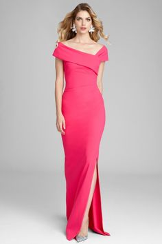 Find the perfect Teri Jon cocktail dresses and evening gowns for the mother of the bride. Try our lace dresses, tea length dresses, dresses with sleeves, and other styles to feel like the young and beautiful mother of the bride that you are. Long Mothers Dress, Mother Of The Bride Dresses Long, Mother Of Bride Outfits, Mothers Dresses, Mob Dresses, Gala Dresses, Fashion Dresses, Bridesmaid Dresses, Look Skater