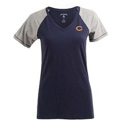 Antigua Chicago Bears Women's Energy V-Neck T-Shirt