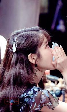 Korean Celebrities, Celebs, Iu Hair, Luna Fashion, Cute Japanese Girl, Asian Hair, Korean Artist, Korean Actresses, Face Shapes