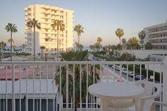 Nuestras terracitas en las habitaciones, con vistas al mar y a 200 m de la playa.