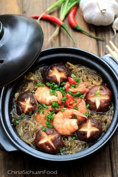 mung bean noodles clay pot
