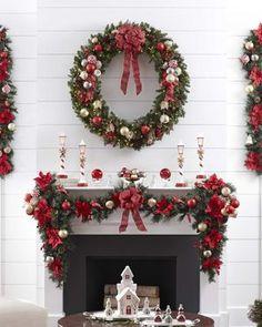 Sehen Sie sich unsere schönen Bastelvorlagen zu Weihnachten an und wählen Sie die Idee aus, die Ihnen am besten gefällt! Elegant Christmas Decor, Christmas Decorations For The Home, Xmas Decorations, Beautiful Christmas, Holiday Decor, Handmade Decorations, Diy Christmas Fireplace, Christmas Mantels, Noel Christmas
