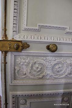 Maison Decor: Marie Antoinette's Private Palace, Petit Trianon- ornate molded doors