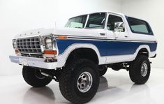 This is a 1978 Ford Bronco, mine looks just like it but is a 1996.