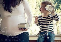 These 24 sibling pregnancy announcements are so cute, and so creative! They are great picture ideas to announce a pregnancy using older siblings! #PregnancyPhotography