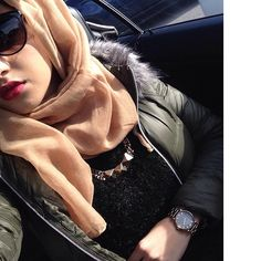 ♥ pin be crazy sana Modern Hijab Fashion, Arab Fashion, Islamic Fashion, Muslim Fashion, Modest Fashion, Fashion Outfits, Muslim Girls, Muslim Women, Arabian Beauty Women