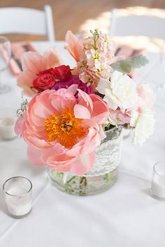 Small Centerpiece that packs a punch | #Lace | Photography: Everest Road Photography